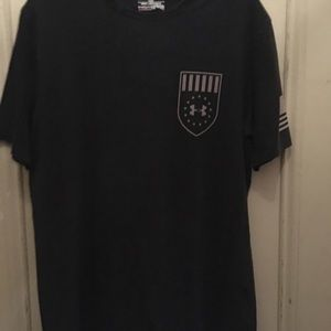 Men's Under Armour short sleeve tee shirt